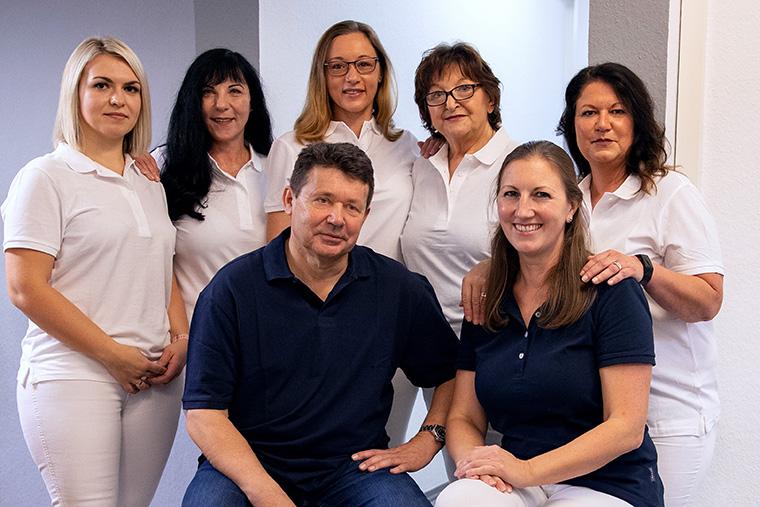 Das Team der Hautarztpraxis Dr. med. Wilfried Steinborn in Straubing